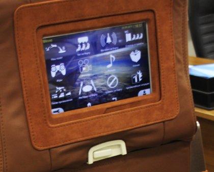 Информационно-развлекательная система пассажиров поезда